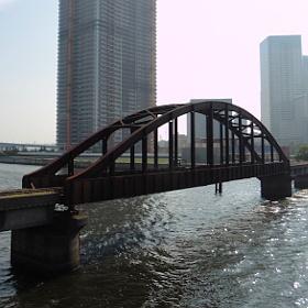 都内の鉄道遺産を訪ねて~晴海橋りょう、浜離宮前踏切、松住町架道橋など