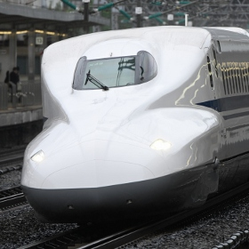 実写でトライ 鉄道撮影で「ニコン Z7」の実力を測る