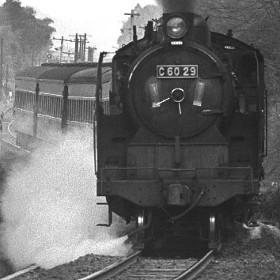 「懐かしの鉄道写真展」開催中