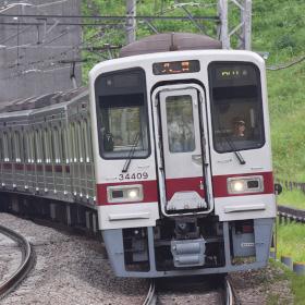 1編成のみ在籍、各線の特徴的な鉄道車両たち