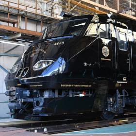 787系が黒くなってリニューアル JR九州の「36ぷらす3」登場