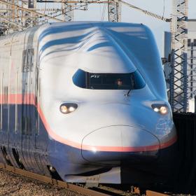 引退間近! オール2階建て新幹線E4系が誕生した東北・上越新幹線の事情とは?