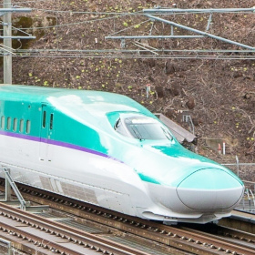 北海道と北陸で延伸工事中! 各地で工事が進む新幹線