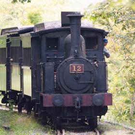 今なお現役、鉄道開業時の車両が生きる「明治村」
