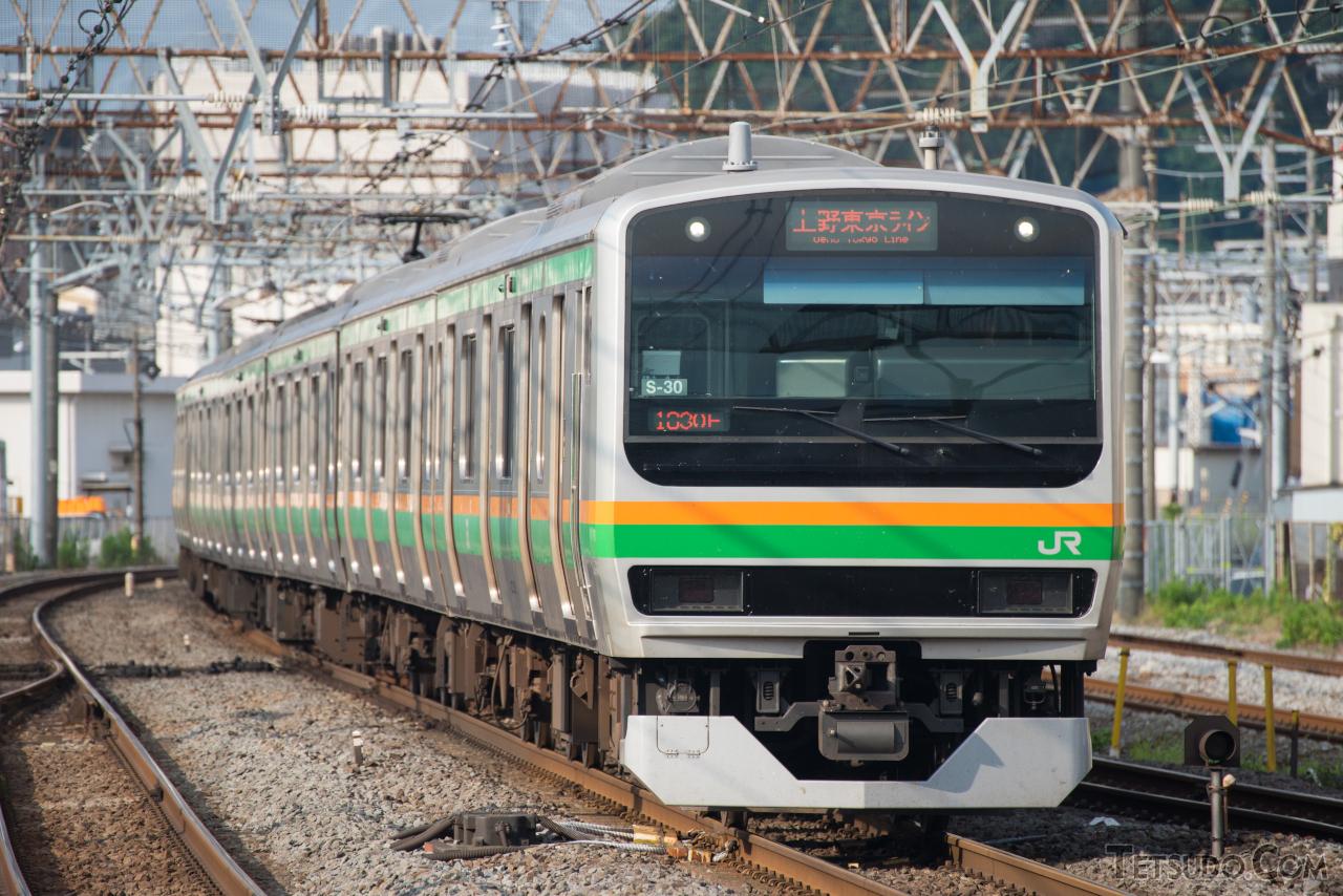 15両編成で運転されている東海道本線