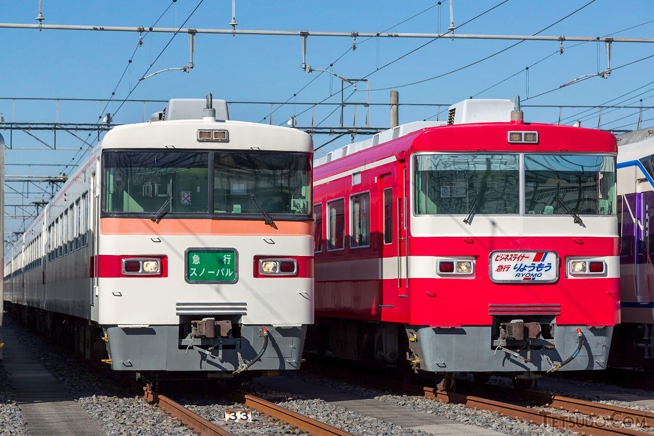 東武300型(左)と1800系(右)