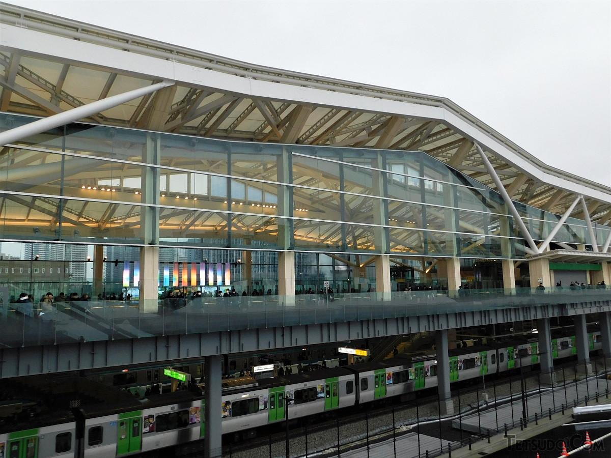 山手線・京浜東北線の高輪ゲートウェイ駅。同駅開業で、山手線の駅間平均距離が少し短縮されました