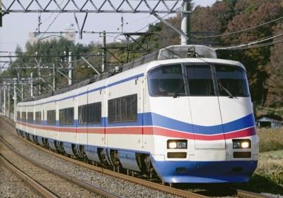 AE100形