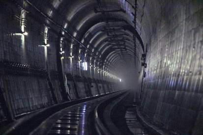 夜のトンネル探検(イメージ)