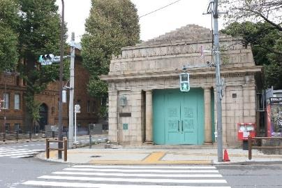 旧博物館動物園駅出入口