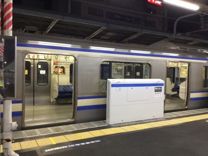 新小岩駅ホームドア