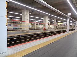 近鉄 大阪阿部野橋駅 可動式ホーム柵 供用