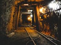 粟代鉱山軌道(坑道)