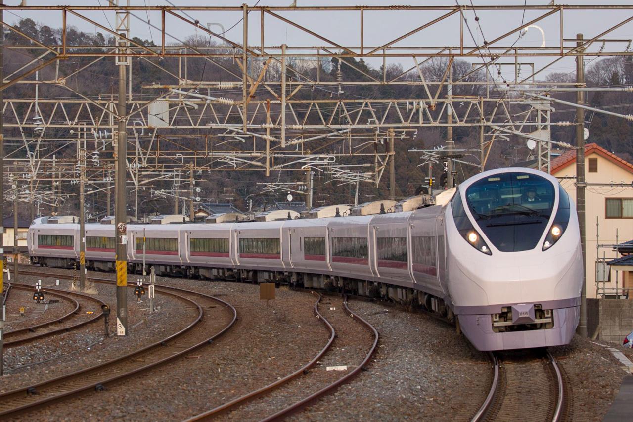 常磐線直通特急に使用するE657系