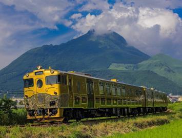 「或る列車」