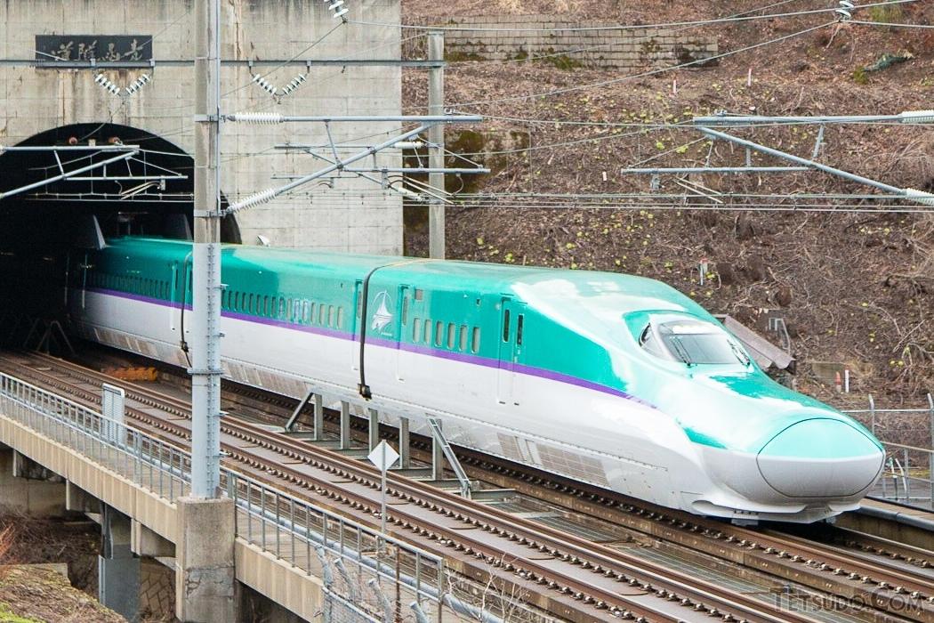 青函トンネルを通過する北海道新幹線