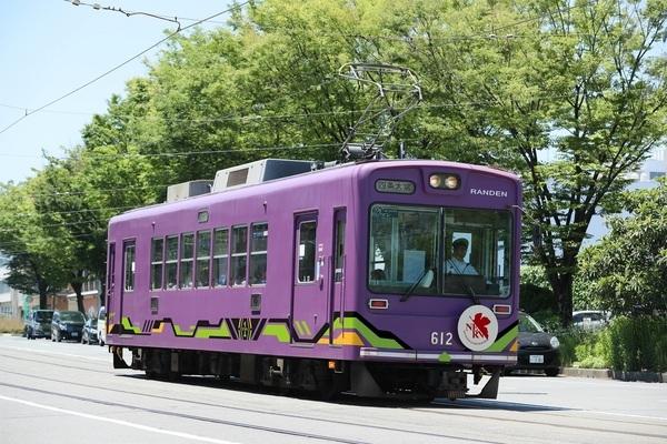初号機バージョンラッピング電車(イメージ)(C)カラー