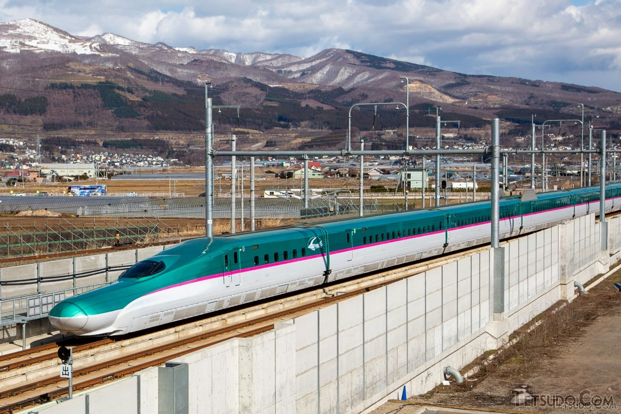 JR東日本の新幹線「はやぶさ」