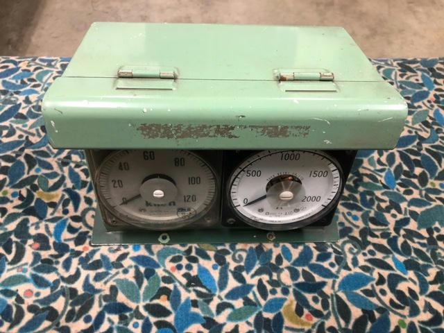 速度・アンペア電圧計