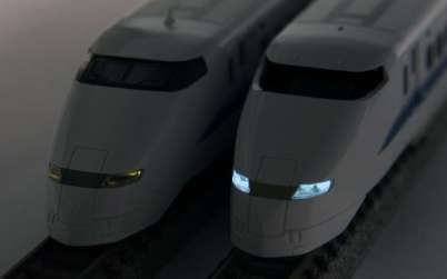 300系従来製品(左)と本製品(右)
