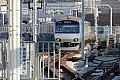高架区間を走行する相鉄線 星川駅から