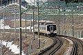 越後湯沢駅-石打駅間ですれ違う上越線E129系
