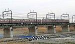 1067-2 多摩川を渡る9001F+7424F 聖蹟桜ヶ丘 31.2.19.jpg