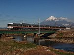 /i1.wp.com/japan-railway.com/wp-content/uploads/2019/12/JRC_EC373_MinobuLine_Tatebori_MtFuji.jpg?fit=728%2C546&ssl=1