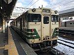 秋田駅6番線に停車中の男鹿線キハ40系(2020/1/12)