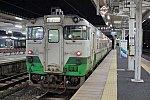 会津若松駅で出発を待つ只見線のキハ40形の列車