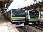横浜駅で並んだ「東海道線」E231系品川行き、E233系平塚行き(2020/5/31)