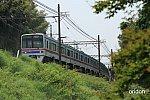 京成3400形、大佐倉の緑の中を