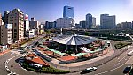 /upload.wikimedia.org/wikipedia/commons/thumb/b/b0/Kobe_station_north_side.JPG/1200px-Kobe_station_north_side.JPG