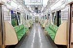 都営地下鉄新宿線10-300形5次車 車内