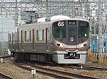 安治川口駅の貨物エリアに入ろうとする323系LS21編成保安列車