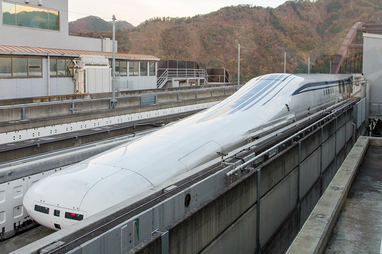 2027年の中央新幹線開業を目指し、試験が進められる超電導リニア