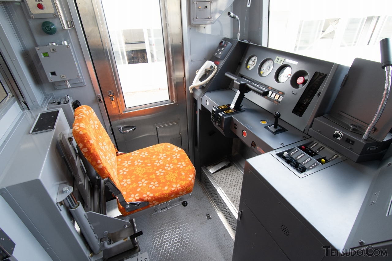 3100形の乗務員室