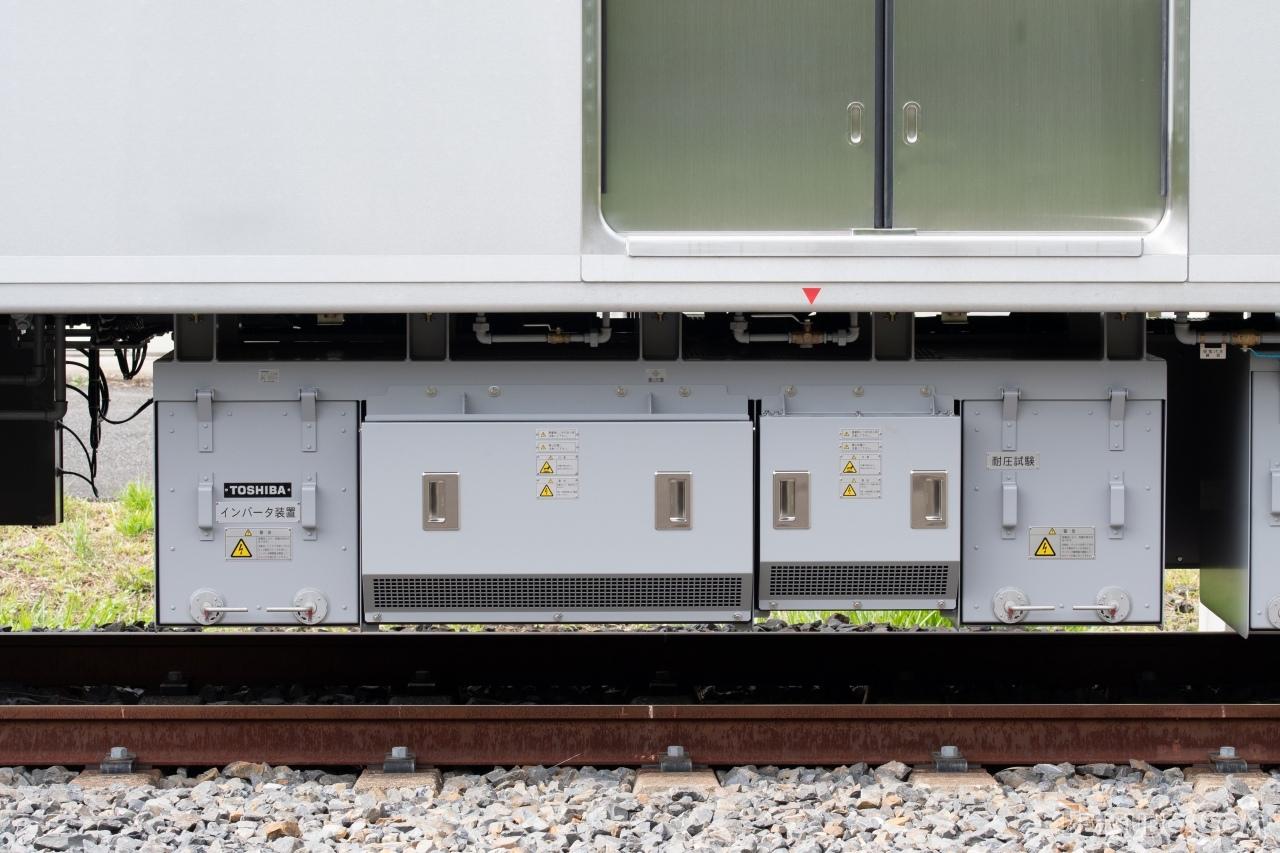 VVVFインバータ制御装置「RG6045-A-M」。京成電鉄初のハイブリッドSiC素子適用PWMインバータを採用しています