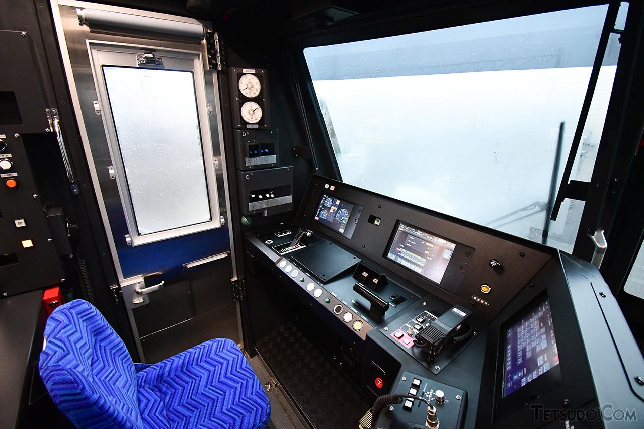 TX-3000系の乗務員室