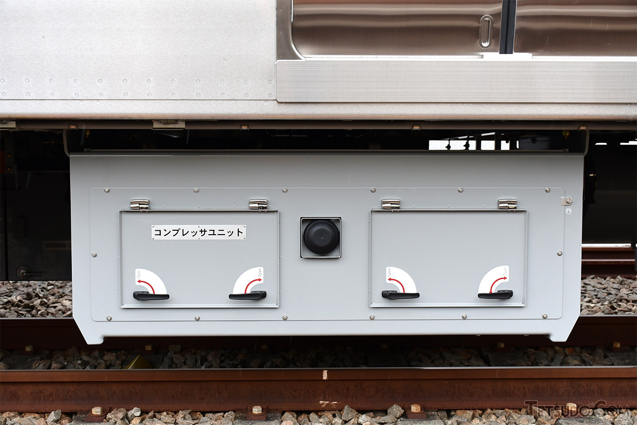低騒音型のコンプレッサー。10両編成では、M1、M3、M5の3両に搭載しています