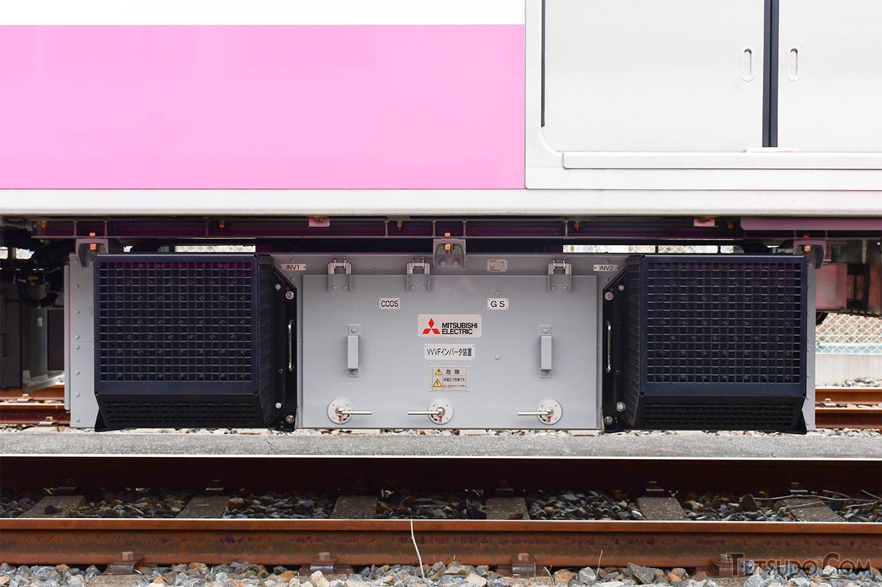 三菱電機製のフルSiC素子適用VVVFインバータ制御装置「MAP-168-15V331」