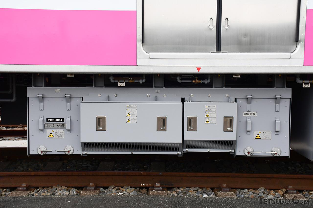 3レベルIGBT静止型インバータの補助電源装置。京成3100形と同等品です