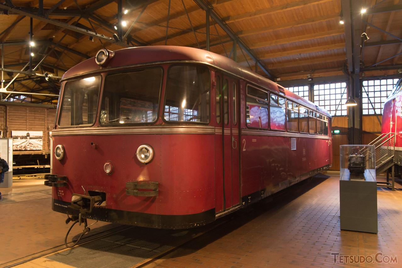 西ドイツ国鉄(ドイツ連邦鉄道)が導入したVT95型。1952年に量産車が登場し、改良型のVT98型と共に、西ドイツ各地のローカル線で活躍しました