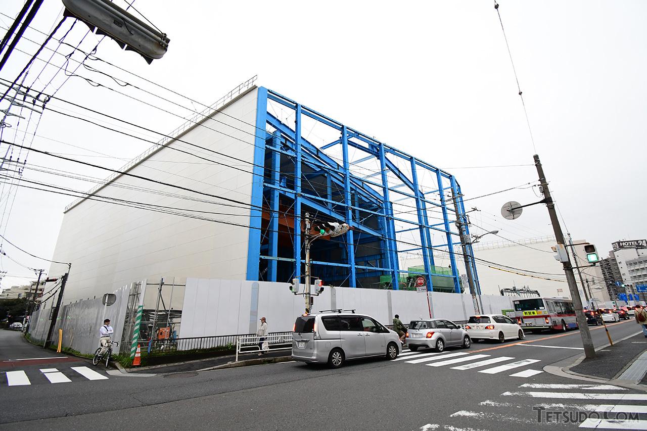 新綱島駅の工事現場。かつてこの場所に日帰り温泉施設「東京園」がありました