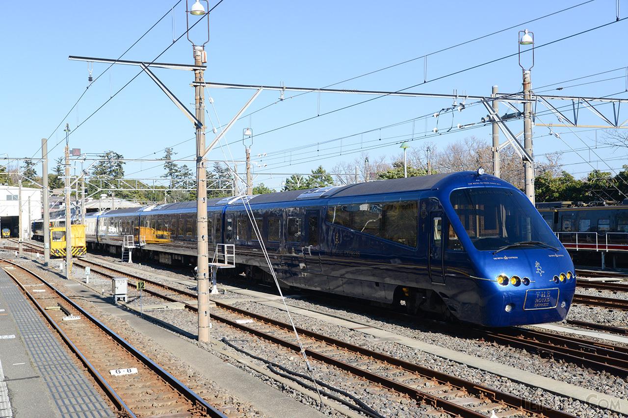 伊豆急行と東急がタッグを組んだ「THE ROYAL EXPRESS」。2100系「アルファリゾート21」をクルーズトレイン仕様に改造した車両です