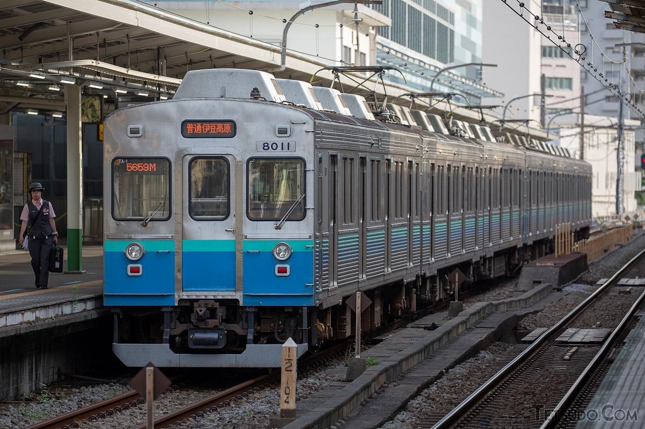 伊豆急行の8000系。かつて導入を希望した際には東急での廃車予定が無かったため、間を埋める形式が一時期投入されていました