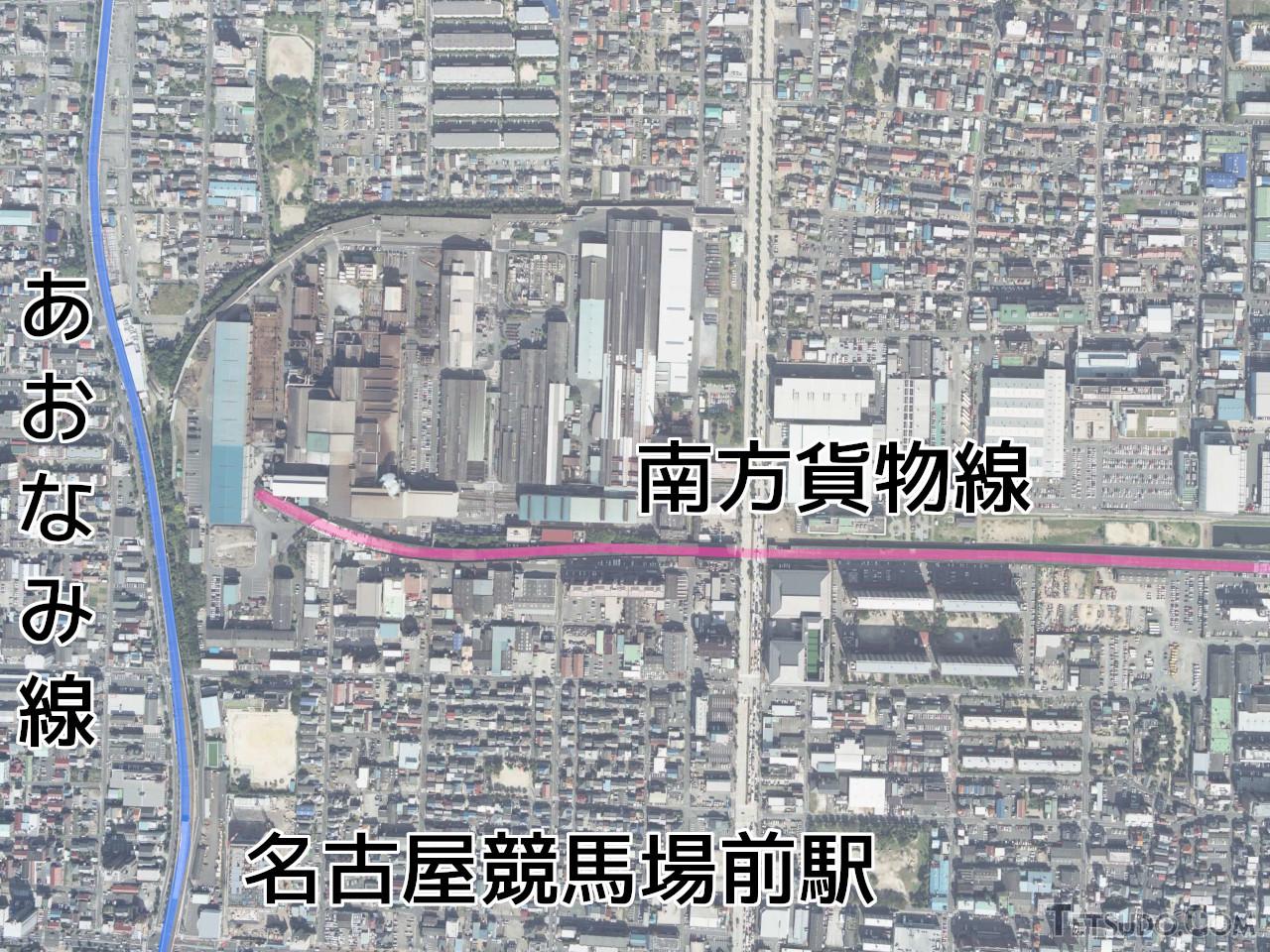 現在のあおなみ線(青)から分岐する計画だった南方貨物線(赤)(国土地理院の空中写真(2007年撮影)に加筆)