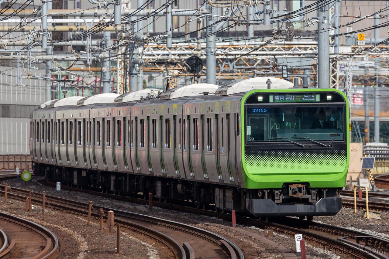 山手線を始めとする都市部のJR線やほとんどの私鉄路線は、直流電化を採用しています