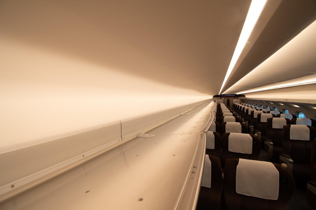 【N700S】調光機能を設けた荷棚