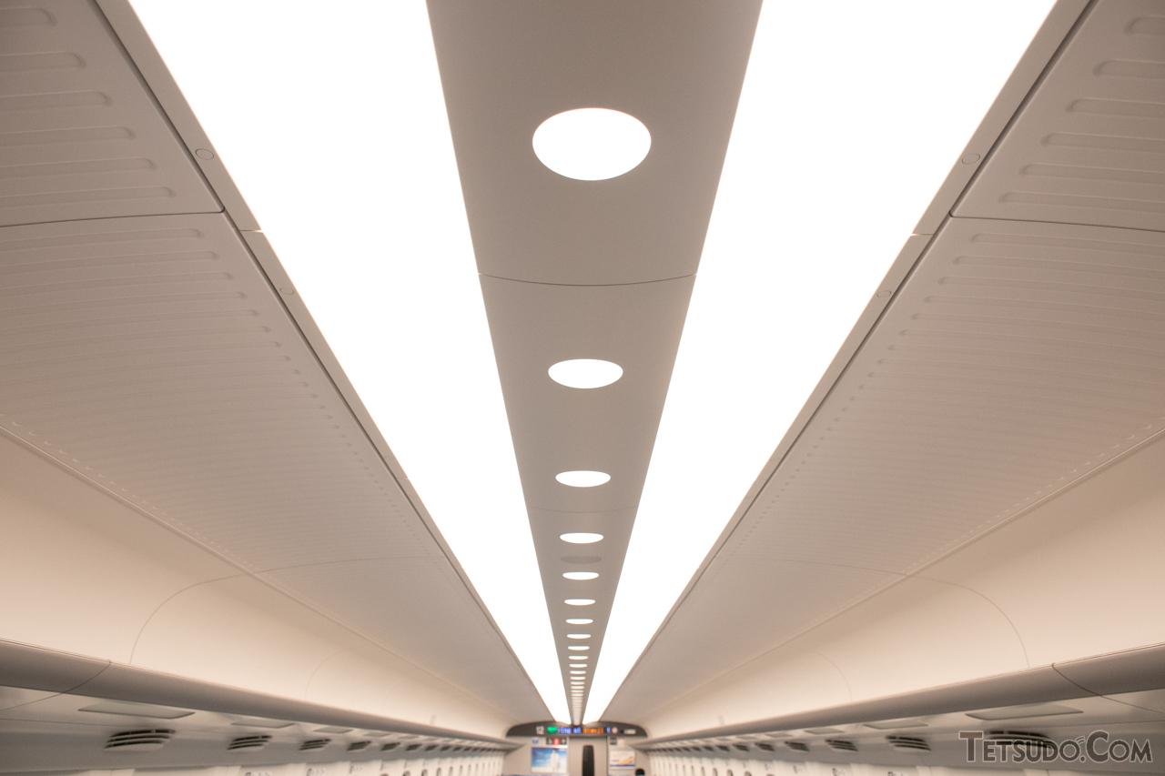 【N700系】N700系の天井